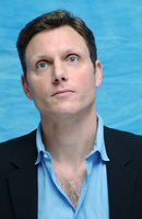 Tony Goldwyn picture G702942