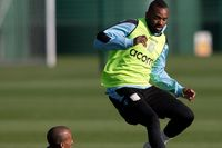 Darren Bent picture G703782