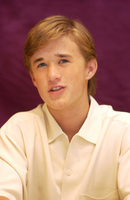 Haley Joel Osment picture G704965