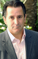 Anthony Lapaglia picture G708535