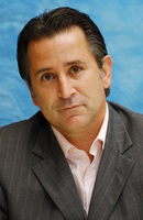 Anthony Lapaglia picture G708538