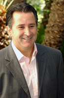Anthony Lapaglia picture G708541