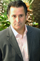 Anthony Lapaglia picture G708543