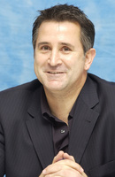 Anthony Lapaglia picture G708546