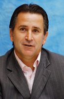 Anthony Lapaglia picture G708548