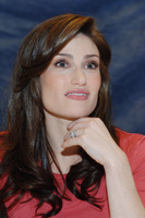 Idina Menzel picture G714290
