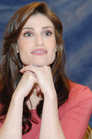Idina Menzel picture G714294