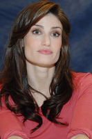 Idina Menzel picture G714298