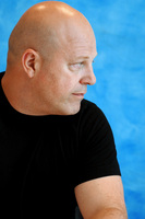 Michael Chiklis picture G714308