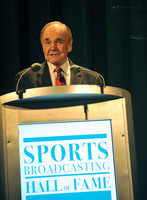 Dick Enberg picture G714365