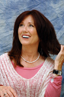 Mary McDonnell picture G714582