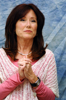 Mary McDonnell picture G714587