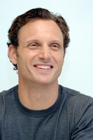 Tony Goldwyn picture G717196