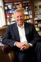 John Maxwell picture G718604