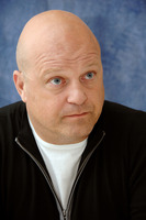 Michael Chiklis picture G719365