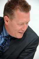 Robert Patrick picture G720995