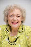 Betty White picture G301200