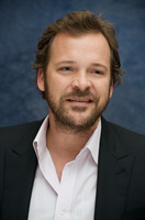Peter Sarsgaard picture G730049