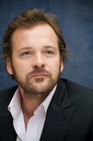 Peter Sarsgaard picture G730050