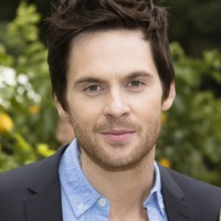Tom Riley picture G732095