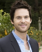 Tom Riley picture G732096