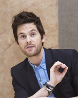 Tom Riley picture G732098