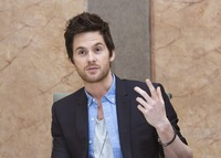 Tom Riley picture G732099