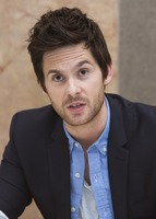Tom Riley picture G732100