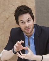 Tom Riley picture G732106