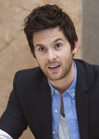 Tom Riley picture G732112