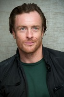 Toby Stephens picture G734126