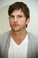 Ashton Kutcher picture G734835