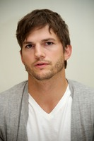 Ashton Kutcher picture G734836