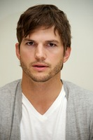 Ashton Kutcher picture G734837