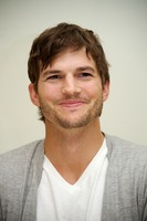 Ashton Kutcher picture G734838
