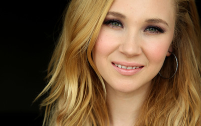 Juno Temple poster G735322