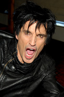 Tommy Lee picture G735449