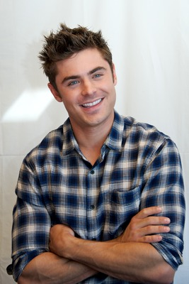 Zac Efron poster G735832