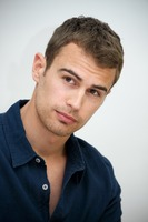 Theo James picture G737479