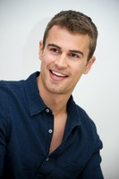 Theo James picture G737482