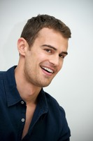 Theo James picture G737483