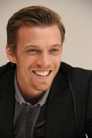 Jake Abel picture G738439