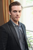 Jake Abel picture G738441