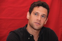 Justin Bartha picture G738570