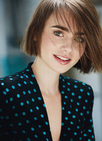 Lily Collins picture G739538