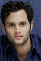 Penn Badgley picture G752415