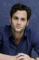 Penn Badgley picture G752421