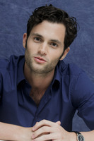 Penn Badgley picture G752424