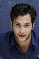 Penn Badgley picture G752425