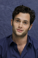 Penn Badgley picture G752427